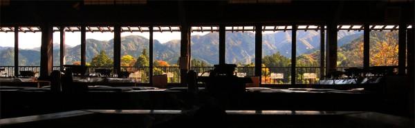 鈴加園の大きな窓から望む景色