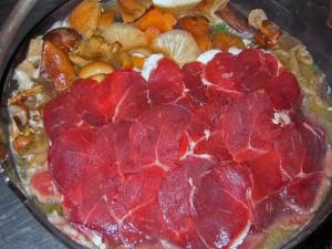 鈴加園のしし鍋はお肉もたっぷり