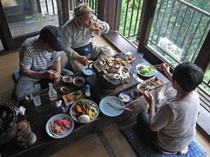 いい景色とおいしい料理でゆっくりと楽しむ