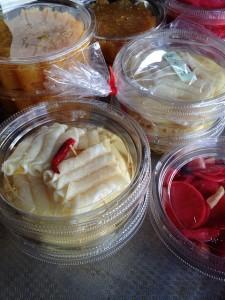 柚子巻きダイコンと赤いのはカブの千枚漬