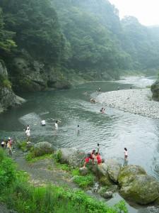 いろんなシュチエーションがあるので楽しく川遊び。