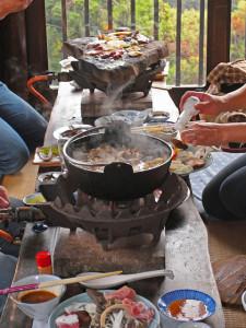 イノシシ鍋は暖まります!