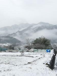 奥秩父は雪山に囲まれて寒い!