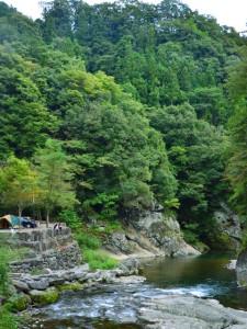 オートキャンプ場の河原