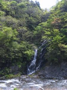 キャンプ場から見える将門の滝