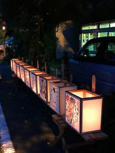 贄川宿の灯篭